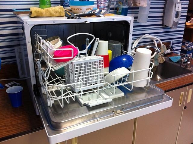 malá myčka nádobí.jpg