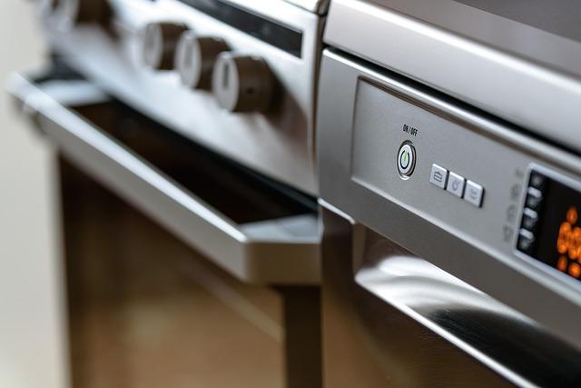 vařič a myčka nádobí.jpg