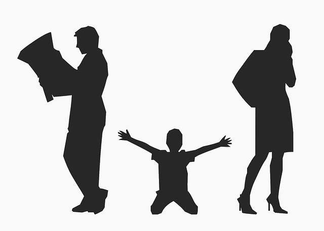 dítě mezi rodiči